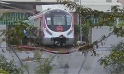 搞笑!印度无人驾驶<em>地铁</em>撞墙因忘记刹车 网友:莫迪要来就尴尬了