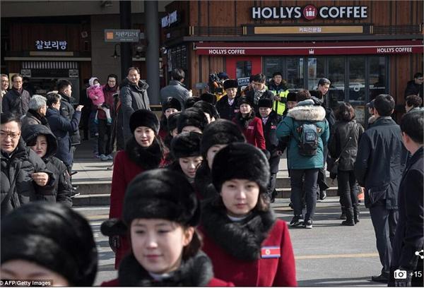 吸睛!朝拉拉队亮相韩国颜值逆天 和运
