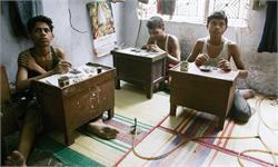 印度警方解救70多名童工:廉价珠宝光鲜背后的阴影