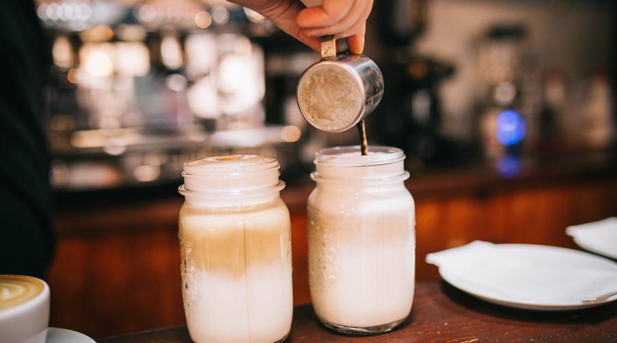网红店奶茶测评,排队最多的一定好喝吗?