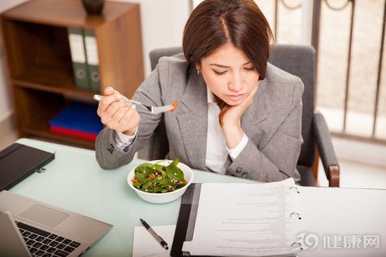 减肥的人午餐怎么吃?做到这几点能瘦下来