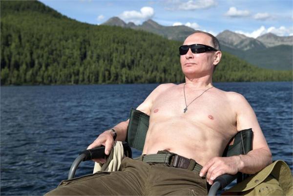 普京回应半裸照