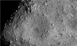 """日本探测器""""隼鸟二号""""拍下小行星清晰特写 形状似八面骰子"""