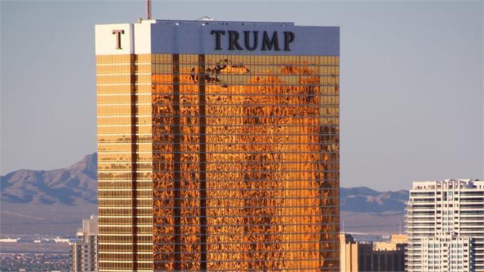 纽约大厦不明包裹引人心惶惶 大厦主人却在千里之外打高尔夫
