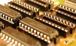 """英特尔对去年AI芯片销售额给出了一个""""保守""""数字:10亿美元"""