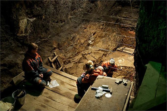 丹尼索瓦洞穴