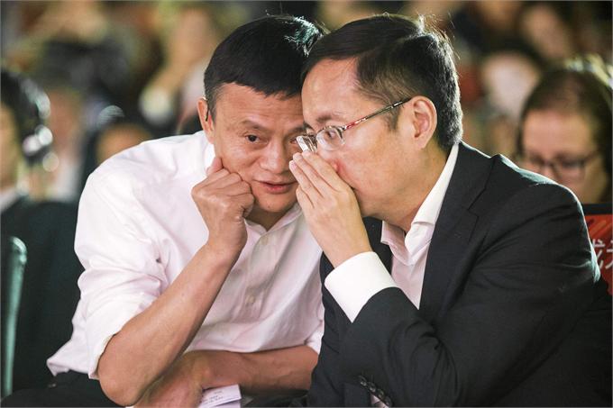 马云接班人张勇:在杭州住了11年五星级酒店,睡觉都要睁着眼睛