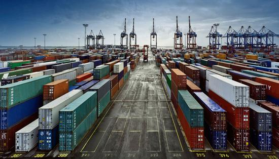 全球经济将在2018年实现3.7%的强劲增长,为何全球贸易增长出现放缓迹象?