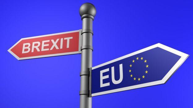 """梅姨两面承压:欧盟谈不拢 """"硬脱欧""""方案也遭内部坚决拒绝"""