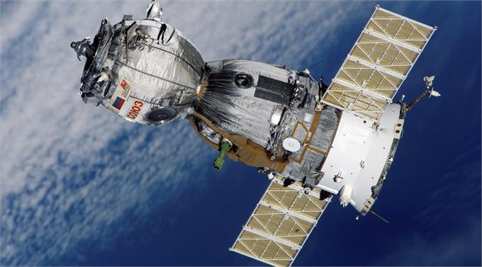 俄罗斯宇航员表白伊万卡 340公里高空表达爱意或许是头一遭