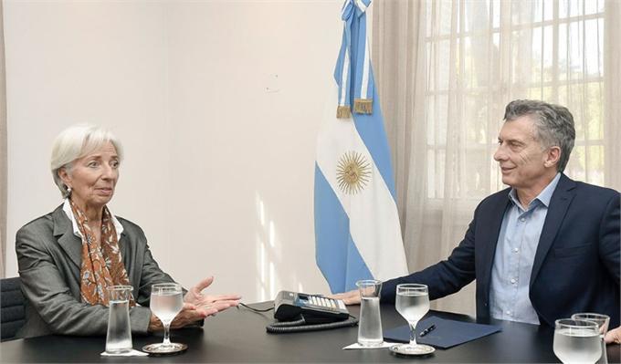 阿根廷与IMF达成500亿美元贷款协议 总统马克里:债务违约?不存在的!
