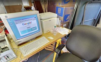 紀念20周年!谷歌在虛擬街景中還原了一間車庫