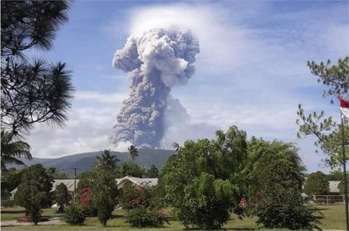 印尼火山爆发