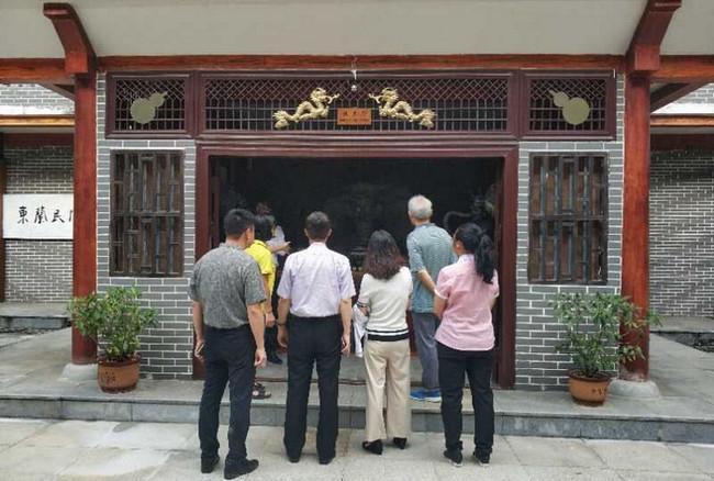 前瞻领导协同深圳高新区服务中心主任广西进行非遗项目考察与指导