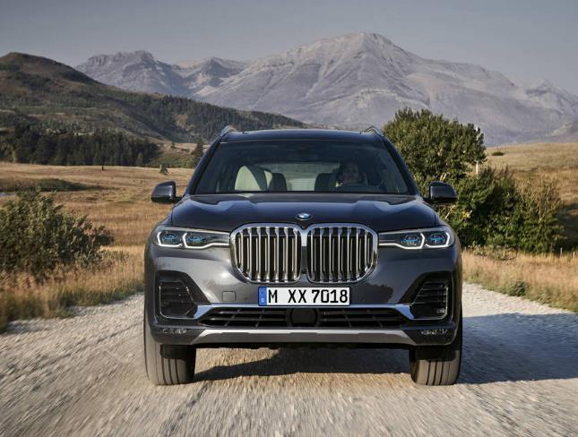 2019年宝马BMW X7 SUV揭秘!科技娱乐功能和安全性能皆有升级