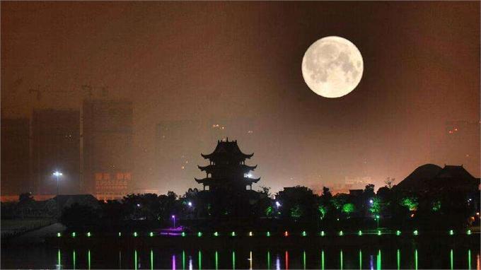 """成都计划2020年发射""""人造月球""""取代城市路灯 网友:城会玩!"""