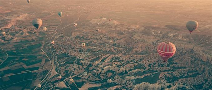 """如何让非洲""""联网""""?马斯克在发射卫星,而谷歌选择了高空热气球"""