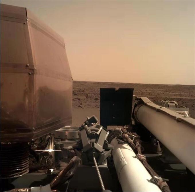 又一里程碑!NASA洞察号火星着陆器成功部署太阳能电池板阵列