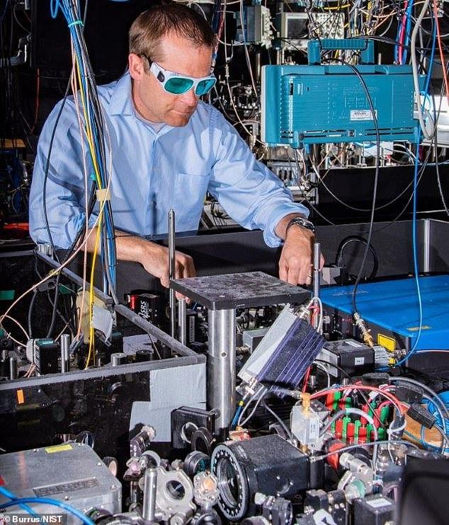 世界上最精确原子钟诞生!精度再创纪录 将有助于绘制时空引力地图