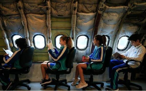 退役机改造成教室