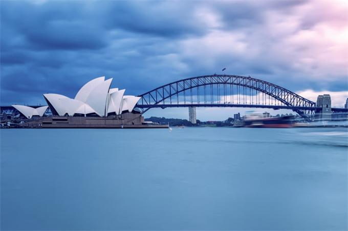 数据热 章泽天抛售豪宅 折价300万美元 澳洲房价降温 投资者贷款减少