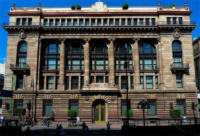 墨西哥央行或将利率提高25个基点至8.25%