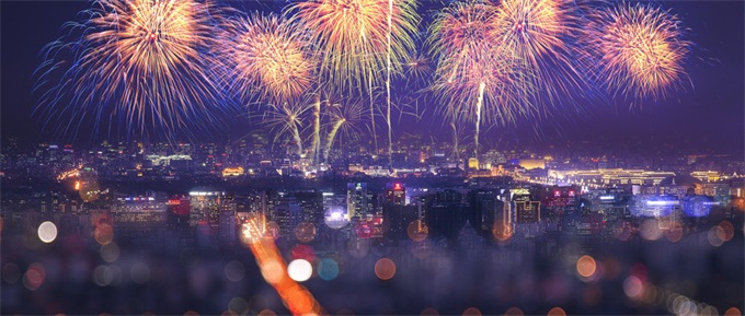 跨年夜最大乌龙:准备15个月花费578万美元 全球最大烟花秀竟标错了时间