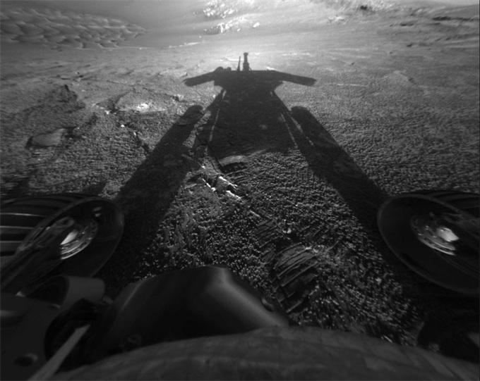 """NASA机遇号被宣布""""死亡"""" 那它在火星上的残骸会怎样?"""