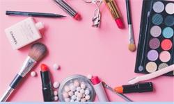 2019年中国<em>化妆品</em>行业市场现状及发展趋势分析 发展潜力巨大,本土品牌锋芒毕露