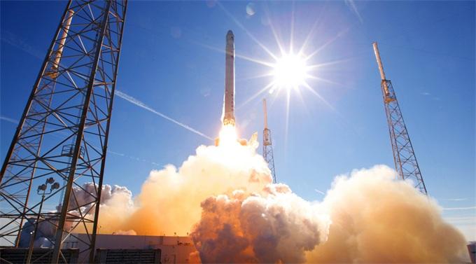 最后期限!特朗普要NASA五年内重返月球 他们将不得不求助SpaceX?