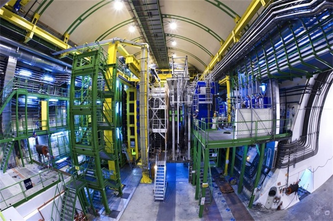 世界上最大的原子加速器或许首次找到了宇宙存在的原因!