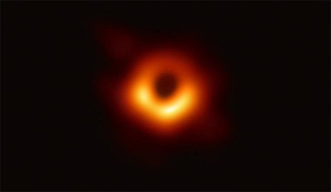 """首度曝光的黑洞有名字了:Powehi,夏威夷语指""""无限创造的黑暗源泉"""""""
