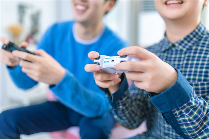 柘荣新闻:索尼PS5曝光:搭载AMD 7nm芯片、光线追踪