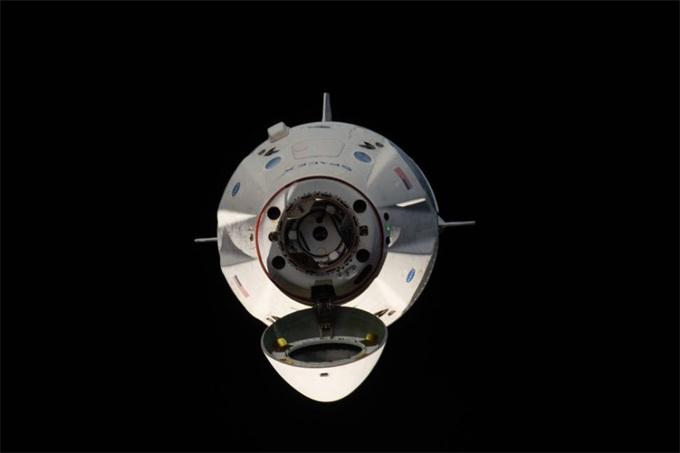 海北新闻:难道又要延期?SpaceX载人龙飞船在引擎
