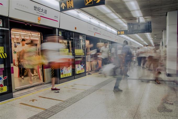 北上广深最挤地铁PK,谁是中国第一黄金线?