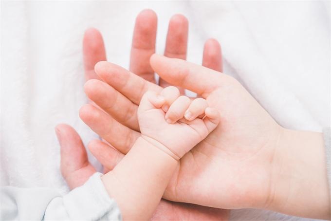 """日益明显!统计报告凸显美国""""人口危机"""":去年新生儿"""