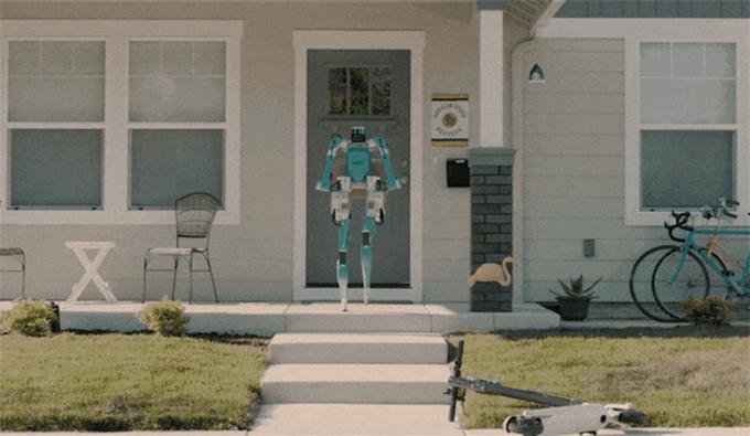 """无人车+人形机器人!福特搅局送货机器人 比京东阿里亚马逊还""""会玩""""?"""