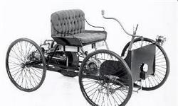 """科技日历丨卡在车棚差点出不来,123年前的今天福特试驾第一辆""""四轮车"""""""