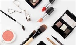 2019年中国美妆行业市场现状及发展趋势分析 消费升级+电商渠道,国产品牌锋芒毕露