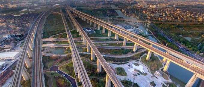 成贵铁路四川段开通运营:比普列节约近5小时 二等座