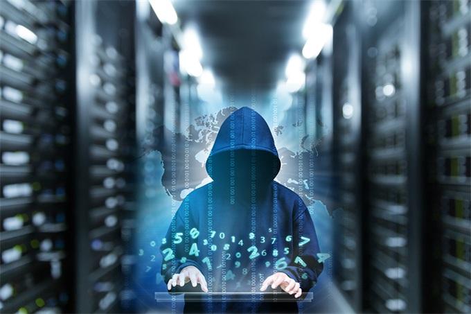 特斯拉可能被黑客入侵 突然降速偏离主干道
