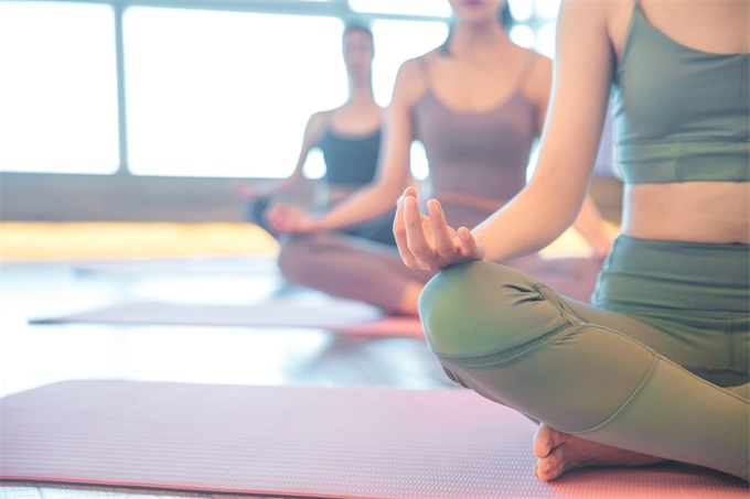 比较|6.21国际瑜伽日,这6款瑜伽APP让你轻松塑造健康体态!