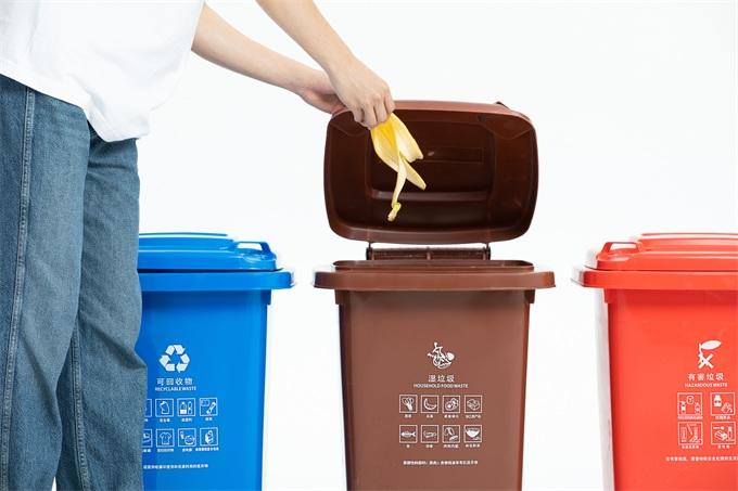 """快把上海人""""逼疯""""的垃圾分类,在国外是怎么推行的?"""