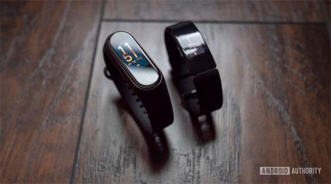 比较丨小米手环4超长续航20天,Fitbit Inspire HR腕带材质选择多