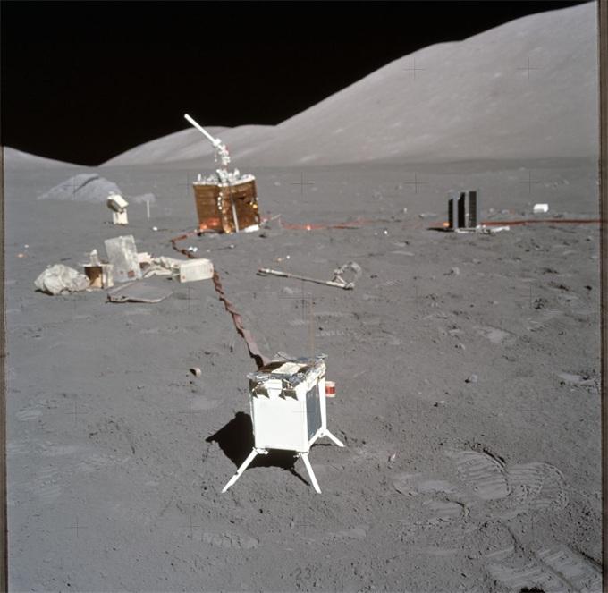 高尔夫球、全家福、还有大便?阿波罗计划宇航员都把什么留在月球上了?
