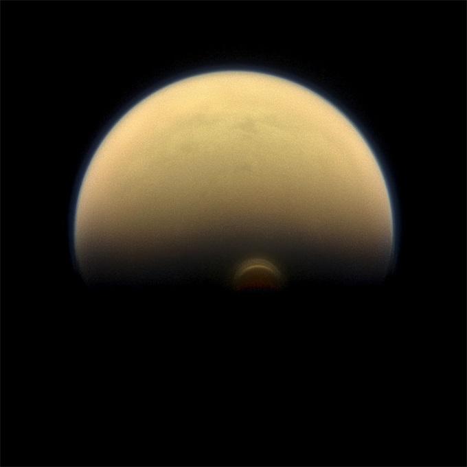太阳系中的神秘土卫六——泰坦到底对我们隐藏着什么秘密?