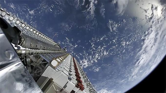有惊无险!欧洲航天局Aeolus卫星和SpaceX的星链卫星擦肩而过