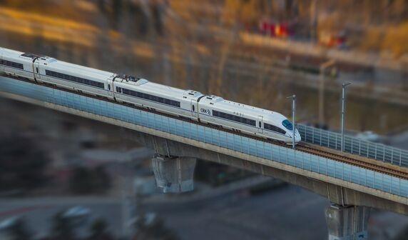 人从众预警!长三角铁路迎高峰 8天发送旅客2121.4万人次