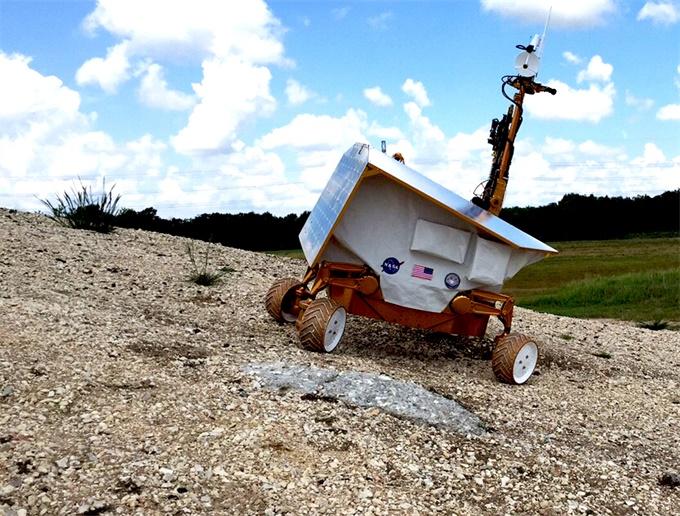NASA计划推出新一代高科技月球车,可以在月球夜晚继续工作