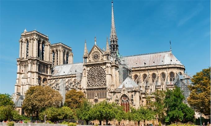 巴黎圣母院修复